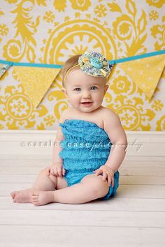 yellow and aqua...Piper's first bday!