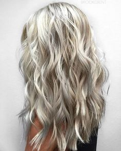 White Minx Balayage ❄️ | using @kenraprofessional Simply Blonde blue lightener and 40v and toning at the bowl with Ice Sheer Tone & Ice w/Steel Sheer Tone equal parts. I'm so excited about this color! #HairByBrookeBenton #SimplyBlondeBalayage #SimplyBlondePlatinum #kreate #btconeshot_haircolor16 #btconeshot_thelook16 #btconeshot_hairpaint16 #btconeshot_color16