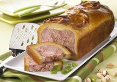 The French are famous for their contributions to the world of terrines, pates, and other forcemeat specialties. Steak Recipes, Cooking Recipes, Charcuterie Recipes, Meat Steak, Savory Tart, French Food, Bon Appetit, Carne, Entrees