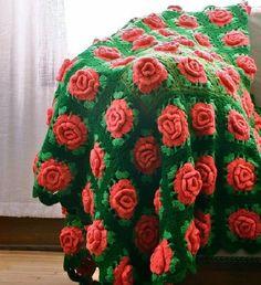 Красивые пледы и подушки с объемными цветами   Искусница