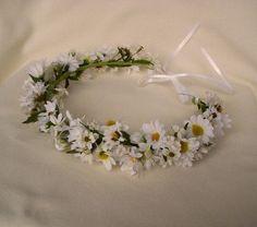 I want to wear a flower headband to my wedding.
