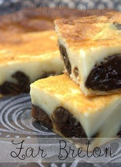 Traditional far Breton recipe – Typical Miracle Meat Recipes, Low Carb Recipes, Cookie Recipes, Snack Recipes, Far Breton Recipe, Desserts With Biscuits, Party Food And Drinks, Mousse, Food Photography