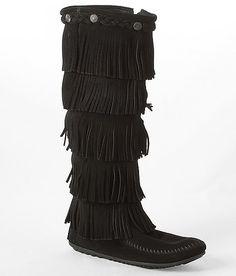 Minnetonka Fringe Moccasin Boot... love these!!!