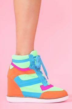 neon sneaker wedge <3
