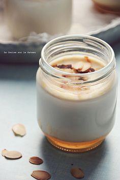 yogurts016 yaourts maison miel & amandes yaourts maison granola & sirop d'érable