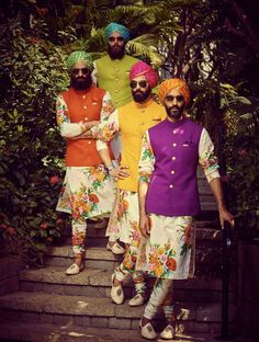 Wedding Function Outfits Inspiration for groom. Heavy floral embroidery or a minimal floral print for wedding outfit. Wedding Kurta For Men, Wedding Dresses Men Indian, Wedding Outfits For Groom, Wedding Dress Men, Groomsmen Outfits, Wedding Sherwani, Wedding Groom, Bridal Dresses, Wedding Reception