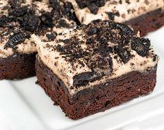Brownie con Crema de Oreo Te enseñamos a cocinar recetas fáciles cómo la receta de Brownie con Crema de Oreo y muchas otras recetas de cocina..