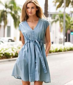 Welcome to H&M, we offer fashion and quality clothing at the best price in a sustainable way. Become a H&M club member for free delivery and returns. Jeans Dress, Shirt Dress, Dress Outfits, Casual Outfits, Edita Vilkeviciute, The Dress, Asian Fashion, Clothing Patterns, Her Style