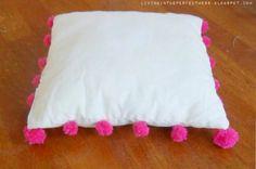 //Cute pom pom pillow