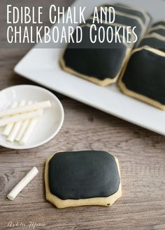 chalkboard cookies and edible chalk are easy to make and super fun to play with!… chalkboard cookies and edible chalk are easy to make and super fun to play with! perfect for a back to school party or an in class treat and craft Cupcake Cookies, Sugar Cookies, Cookies Et Biscuits, Edible Crafts, Food Crafts, Just Desserts, Delicious Desserts, Cookie Recipes, Dessert Recipes