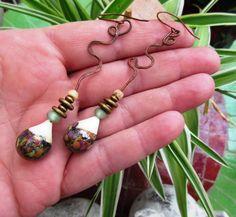 Toucher l'Ame : boucles d'oreille minimalistes, primitives : Boucles d'oreille par les-reves-de-minsy