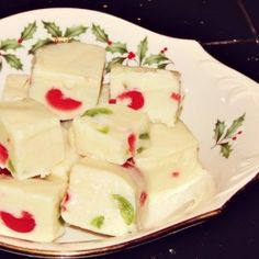 White Chocolate Fudge Recipe in Brilliant Christmas Colors Edible Christmas Gifts, Christmas Colors, Christmas Goodies, Christmas Candy, Homemade Christmas, Fudge Recipes, Candy Recipes, Cookie Recipes, Snack Recipes