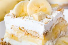 Banana Pudding Dessert • Dance Around the Kitchen Layered Desserts, Brownie Desserts, Köstliche Desserts, Delicious Desserts, Yummy Food, Simple Dessert Recipes, White Chocolate Desserts, Smores Dessert, Bon Dessert
