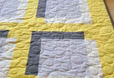 wow the quilting here is so good. love the loops