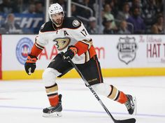 Ryan Kesler (Anaheim Ducks) | 26 Hockey Players Who Are Hot As Puck