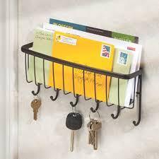 Eine praktische Kombination aus Postablage und Schlüsselbrett.