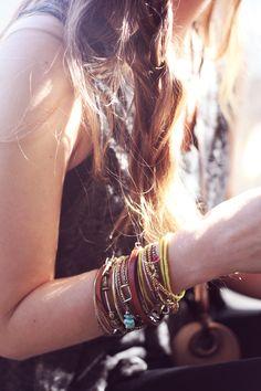 Ünlüler, Fitness ve Moda'ya Dair Son Trendler Cosmopolitan'da Estilo Hippie, Hippie Chic, Bohemian Style, Boho Chic, Fashion Accessories, Fashion Jewelry, Jewelry Accessories, Quoi Porter, Free People Blog