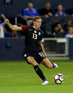 Football Girls, Girls Soccer, Play Soccer, Football Soccer, Nike Soccer, Soccer Cleats, Football Players Images, Female Soccer Players, Soccer Photography