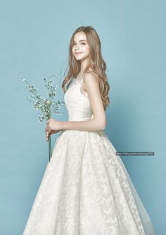 Bridal Gowns, Wedding Gowns, Red Hair Green Eyes, Ulzzang Girl, Cute Fashion, Vintage Dresses, Marie, Queen, Beautiful