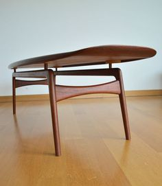 Interior design, decoration, loft, furniture, VINTAGE TABLE SCANDINAVE MODERNISTE DES ANNEES 50 ARNE H.OLSEN