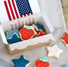 Jenny Steffens Hobick: Fourth of July Party Decorations | 4th of July Sugar Cookies