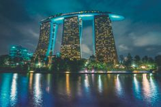 Welcome to Perfect City. Singapur, Marina Bay Sands Hotel.