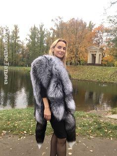 Cape stole from silver fox. Fur Jacket, Jacket Style, Capes, Animal Fur, Fabulous Furs, Fur Wrap, Fur Accessories, Fur Stole, Fox Fur Coat