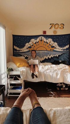 I feel like I need this tapestry and color scheme this room is such a vibe College Dorm Room Ideas Color feel room Scheme Tapestry vibe Cute Dorm Rooms, College Dorm Rooms, College Dorm Decorations, College Room Decor, Rooms Decoration, Dorm Room Designs, Warm Bedroom, Teen Bedroom, Aesthetic Rooms