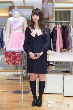 乃木坂46桜井玲香&伊藤万理華が制服ファッション披露