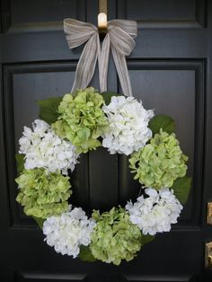 White and Green Spring Hydrangea Wreath by Daulhouseshop on Etsy, $80.00