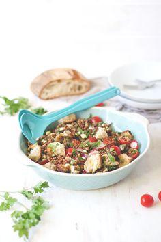 Mediterraner Linsensalat mit Ciabatta, Tomaten und Mozzarella - sommerliches Feierabend-Rezept   moeyskitchen.com
