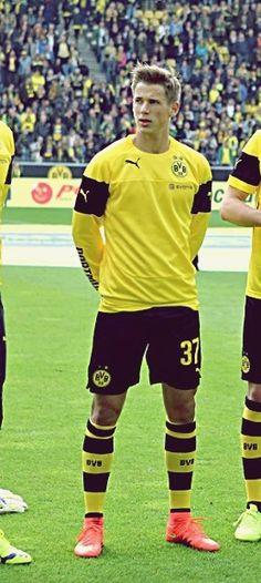 Welmeister: Erik Durm ♥ #erikdurm #durm #37 #bvb #welmeister #deutschland #nationalspieler #mannschaft #cute