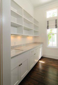 walk in pantry More