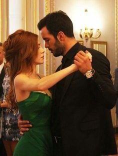 Elcin Sangu as Defne and Baris Arduc as Omer during the 💃dance that Omer asked Defne to marry him in the Turkish TV series KIRALIK ASK, Prince Charmant, Famous In Love, Elcin Sangu, Perfect Boyfriend, Perfect Relationship, Turkish Fashion, Couple Photography Poses, Drama, Cute Actors