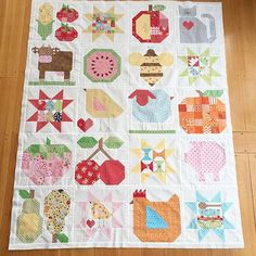 Looky at my friend @cathytazpurdon quilt top from Farm Girl Vintage:) It's amazing!!!  #beeinmybonnet #farmgirlvintage #farmgirlfridays #farmgirlvintagefever PS. She used my Apple Picking pattern (available @fatquartershop ) and revised it to make the watermelon slice:)