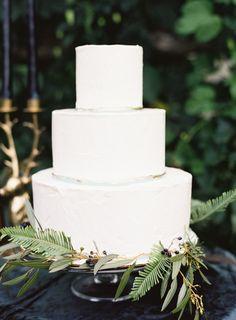 Chic, Leafy Green New York Wedding Inspiration - MODwedding
