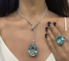 ABSOLUTELY MAGNIFIQUE! 💞 Royal Jewelry, Jewelry Sets, Jewelry Accessories, Fine Jewelry, Jewelry Necklaces, Jewelry Design, Aquamarine Jewelry, Diamond Jewelry, Antique Jewelry