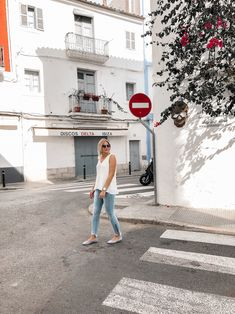 Frühsommer-Outfit-Alice-Christina-Blog-13 Bluse Outfit, Denim Look, Ballerinas, Alice, White Dress, Streetstyle, Outfits, Blog, Fashion