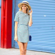 Spring and Summer Street Style outfit ideas. striped dress with wicker hat Cool Summer Outfits, Summer Outfits Women, Simple Outfits, Street Style Summer, Street Style Looks, Street Style Women, Shweshwe Dresses, Tomboy Outfits, Summer Fashion Trends