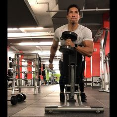 Men's Health Fitness Director Ebenezer Samuel shows off a demanding three exercise arm circuit workout to blast your biceps. Arm Circuit Workout, Arm Day Workout, Biceps Workout, Best Biceps, V Cut Abs, Bicep Muscle, Men's Health Fitness, Fun Workouts, Body Workouts