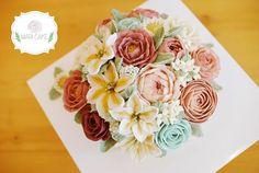 Mari cake's beanpaste flower rice cake✨ Flowers made from bean paste.  Class inquiry : email-arang0309@naver.com Line-maricake / kakaotalk-arang09  #flowercake #maricake #flower #cake #class #beanpaste#beanpasteflower #beanpasteflowercake #ricecake #rose #chrysanthemum #Koreanricecake #앙금플라워  #flowerstagram #koreanbeanpaste #koreanricemcake #koreanriceflowercakeclass #koreanbeanpasteflowers #pastry #pastries #baking #앙금플라워케이크 #patisserie #pastrychef #플라워케이크 #baker #instacake #cakestagram