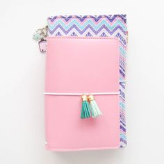 So I just stood for a while staring at these two cuties. How freaking perfectly do they look together?! There are my current favorite traveler's notebooks to use at the moment. The purple aztec #confettidori for my #bulletjournal and my flamingo pink Unicorn #zinnydori in personal size for keeping important information and personal details. They were made for each other! By the way if you want to get your hands on some gorgeous Unicorn Zinnydoris (Unicorn means they have some freaking…