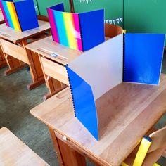 Using binding for privacy screens! Classroom Organisation, Teacher Organization, Teacher Hacks, Classroom Management, School Classroom, School Fun, Primary School, Elementary Schools, Teaching Strategies