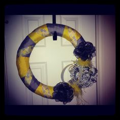Yellow and grey wreath
