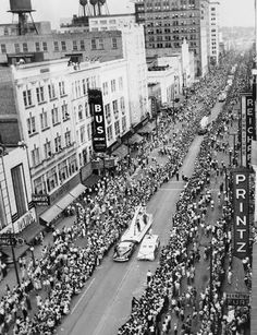 Parade held in Youngstown...1953 http://www.pinterest.com/blockman12/youngstownohio-city-and-parks/