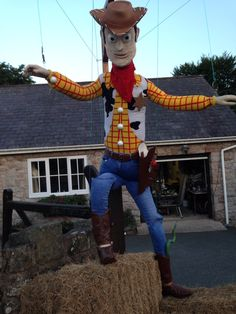 Scarecrow competition 2015 Llanasa North Wales Scarecrow Ideas, Make A Scarecrow, Book Character Costumes, Book Characters, Holidays Halloween, Halloween Ideas, Scarecrow Festival, Apple Festival, Autumn Display