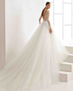 Rosa Clará Fall 2017 Wedding Dress Collection   Martha Stewart Weddings – Long-sleeve ball gown wedding dress