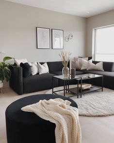 Living Room Decor Cozy, Living Room Grey, Living Room Interior, Home Living Room, Living Room Ideas Dark Couch, Living Spaces, Home Room Design, Living Room Designs, Appartement Design