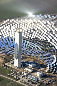 mirrored heliostats and a 54 story high tower the World's largest solar power tower plant located near Seville in Spain in now on line generating 20 megawatts (MW) of electricity, enough to supply homes. Renewable Energy, Solar Energy, Solar Pannels, Concentrated Solar Power, Tower Of Power, Farm Layout, Solar Installation, Andalusia, Alternative Energy