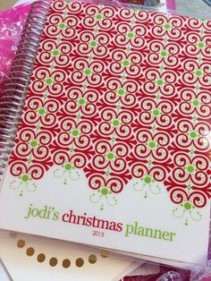 dark red and green...love this for CHMS cookie planning and holiday
